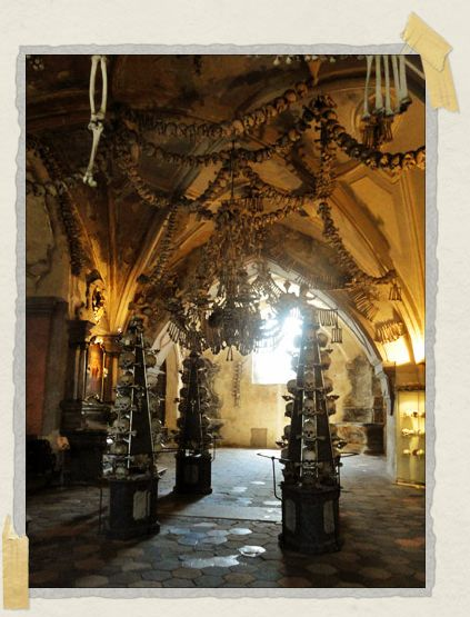 'The amazing sculptures of bone in Kutná Hora
