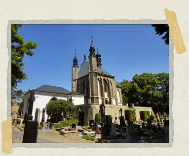 'Sedlec Cemetery: the ossuary in the center was originally a small chapel